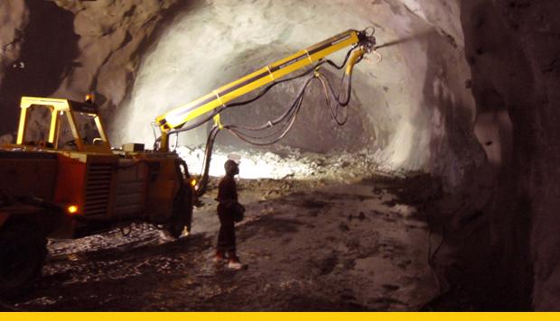 seguridad-en-mineria-subterranea-menos-personas