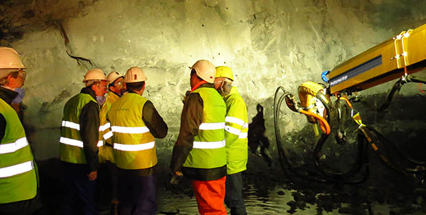 The School of Mines in the shotcrete cycle: hands-on learning